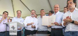 Alckmin assina decreto para regularização fundiária para região