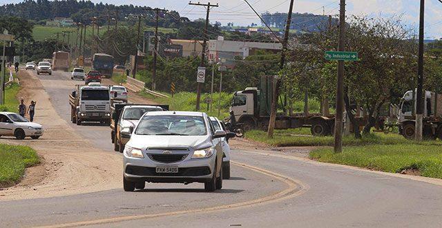 Estado inicia obras de recuperação de rodovia em Itapeva
